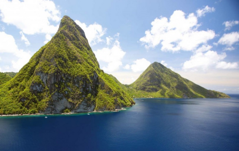 Under the Pitons, Robert Stone